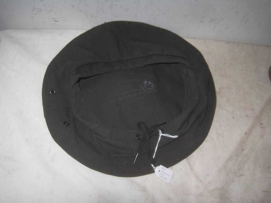 beret coton noir tankiste canadien buffalo cap 1940 ventes d 39 antiquit s militaires royal dragons. Black Bedroom Furniture Sets. Home Design Ideas